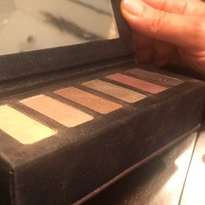LORAC Makeup - Lorac eyeshadow